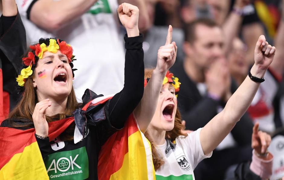 Fans bei der Handball-WM 2019 - Ticketpreise explodieren