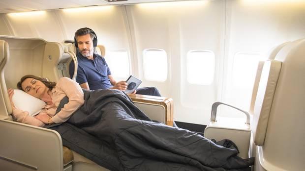 Standard bei Kreuzflügen: der Lie-Flat-Seat zum Schlummern auf längeren Tages- oder Nachtflügen
