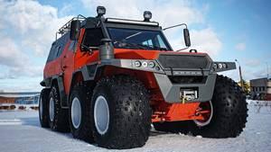 DerAvoros Shaman 8X8 ist gewaltig und passt in keine Parklücke.