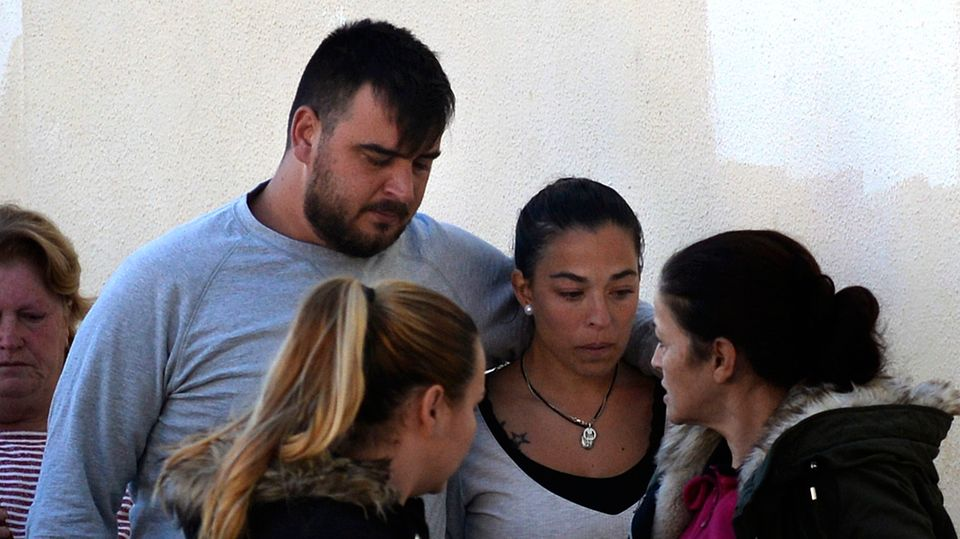 Die Eltern von Julen, Jose Rosello (l.) und Victoria Garcia, hofften bis zuletzt an ein Wunder