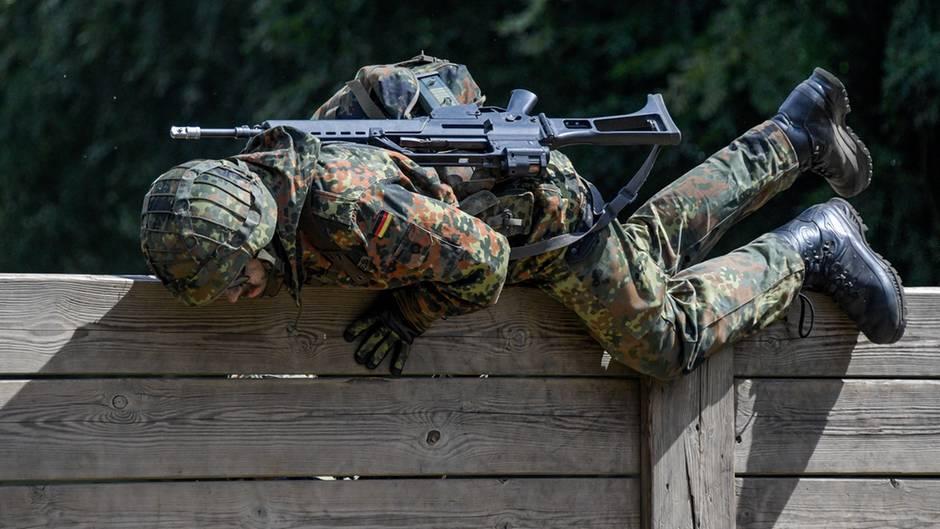 Bundeswehr-Soldat bei der Gefechtsausbildung