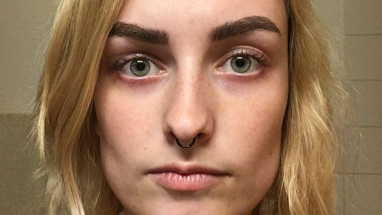 Microblading: Augenbrauen-Selbstversuch
