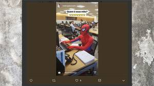 Spiderman im Büro