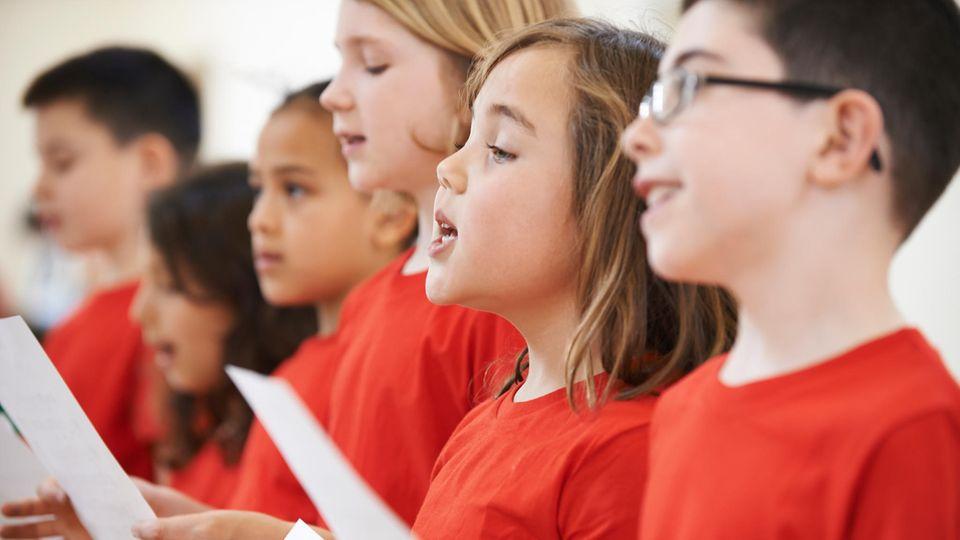 Liegt Diskriminierung vor? Mädchen darf nicht im Staatschor singen