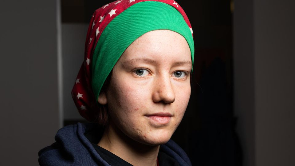 Ronja H., 15, besucht die neunte Klasse Trierer Gymnasium. Die ehemalige Waldorf-Schülerin überzeugte ihre Mitschüler, geschlossen für eine bessere Klimapolitik zu streiken. Mit acht Jahren schon ging sie mit ihren Eltern auf Anti-Atomkraft-Demos. Ronja möchte später vielleicht Journalistin werden.