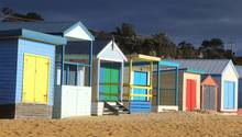 Nur eine guteAutostundevon Melbourne entfernt: Die Strandhütten am Mount Martha Beachdienten früher als Umkleidekabinen