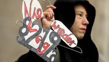 Am Samstag gingen deutschlandweit Menschen auf die Straße, um gegen den Paragraf 219a zu demonstrieren