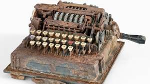 """Der Streit drehte sich um diesesChiffriergerät aus denZweitem Weltkrieg, auch """"Hitler-Mühle"""" genannt"""