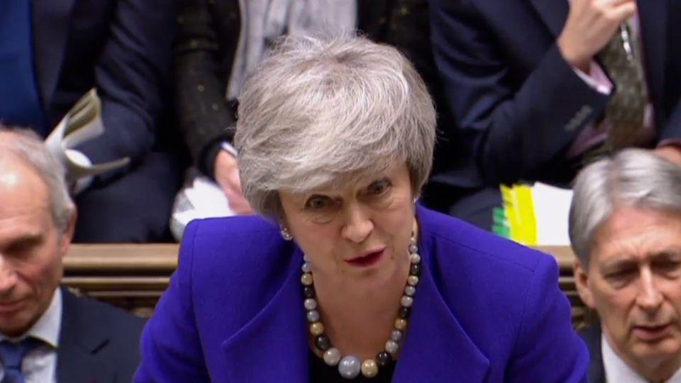 Die britische Premierministerin Theresa May spricht im Unterhaus
