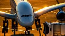 Ein Airbus A380 von Qantas amKingsford Smith Airport in Sydney
