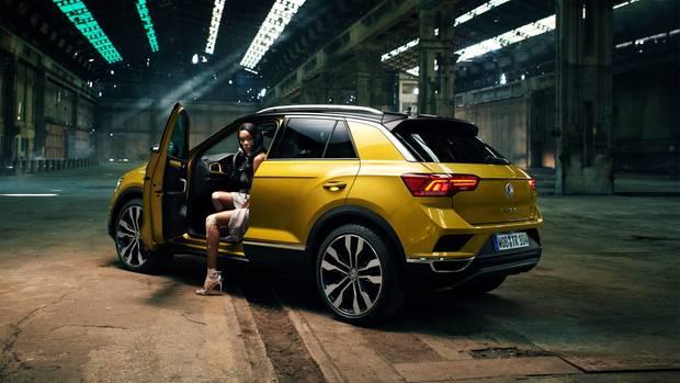 Sopräsentiert VW den T-roc. Von der eingesparten Doppel-Tröte ist da nicht die Rede.