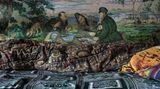 """Eine Schlafstelle, an der Wand die Reproduktion eines berühmten russischen Gemäldes des 19. Jahrhunderts: """"Jäger auf Rast""""von Wassilij Perow."""