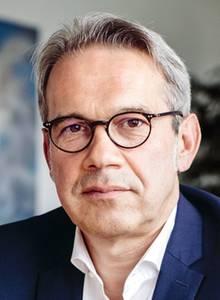 """Georg Maier ist Innenminister in Thüringen. Der SPD-Politiker sagt: """"Wir haben zu lange weggesehen""""."""