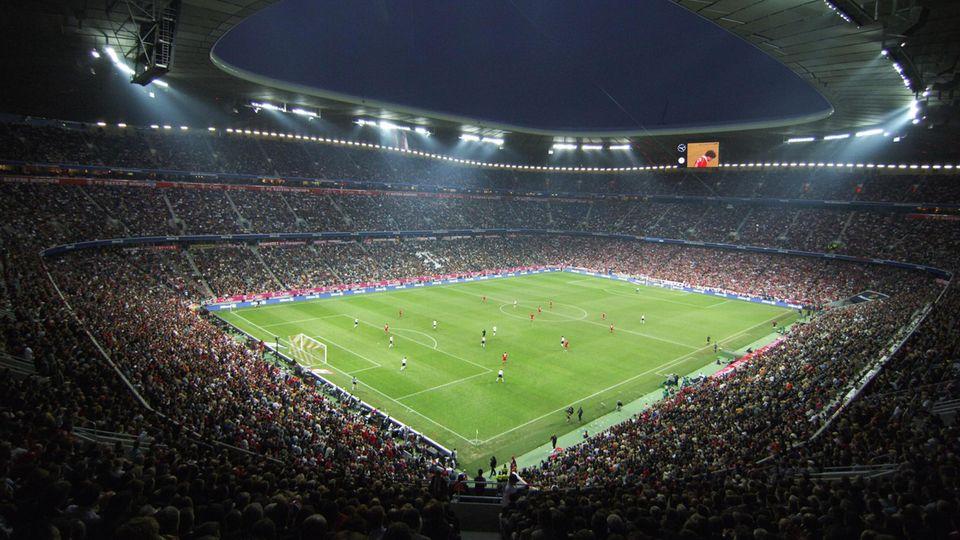 Eintrittspreise : Top 30 Fußballclubs: Das kostet der Stadionbesuch