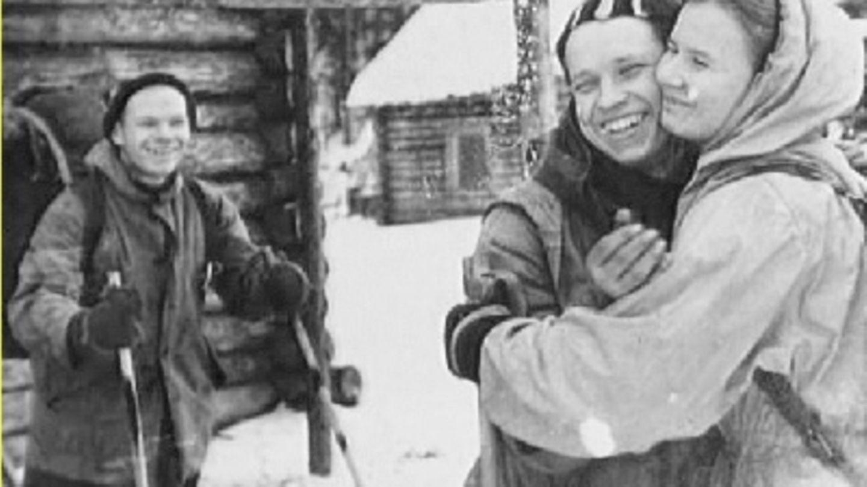 Das letzte Bild der Gruppe zeigt den Abschied vom erkranktenJuri Jefimowitsch Judin.