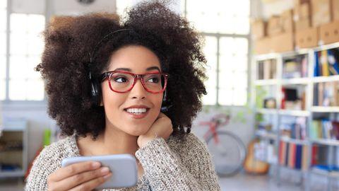 Alexa, Siri oder Cortana - warum sind die Sprachassistenten eigentlich weiblich?