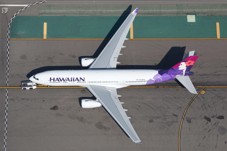 Nach drei Versuchen wurde der Flug HA33 gestrichen: Ein Airbus A330-200 der Hawaiian Airlinesauf dem Flughafen Los Angeles