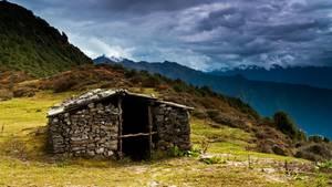 """Frau erstickt in Nepal in einer """"Menstruationshütte"""""""