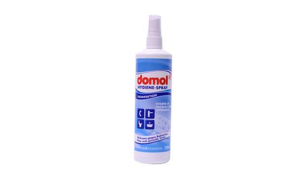 Domol Hygienespray (Rossmann)      Wirkstoff: Alkohol  Wirkstoffbewertung: mittel  Wirkung gegen Bakterien: mittel  Preis pro Anwendung: weniger als 0,01 Euro (preiswert)      Gesamtbewertung: MITTEL