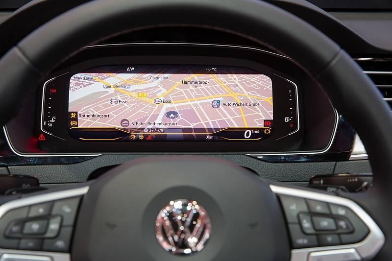 Die große Bühne: Im virtuellen Kombiinstrument kann jetzt auch die Karte über das gesamte Display angezeigt werden