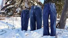 Unter dem Hashtag #frozenpantschallenge tauchen im Netz immer mehr Bilder von steif gefrorenen Hosen auf.