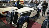 Mercedes 315/1 Sport Zweisitzer, Erstzulassung 07/1935 mit 60 PS, 1566 ccm mit nur 3495 Kilometerstand. Geschwindigkeitsmesser, Zeituhr, Roadsterverdeck, Lederausstattung, 189.850 Euro Kaufpreis.