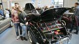 Beliebtes Fotomotiv :Das Mercedes 170 S Cabrio A von 1950. Mit passendem Koffersatz. Damaliger Kaufpreis betrug 15.800 DM. Eine lange Vita mit mehreren Besitzern schrieb hier interessante Autogeschichte.