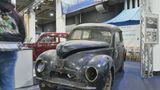 """Der Club """"Alt Ford Freunde"""" zeigt einen Ford Taunus G73A Baujahr 1951 mit 34 PS und 1172 ccm. Das Motto des Vereins: """"Wir pflegen und erhalten historische Ford-Fahrzeuge""""."""
