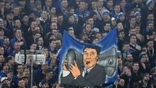 Schalke-Fans nehmen Abschied von Rudi Assauer