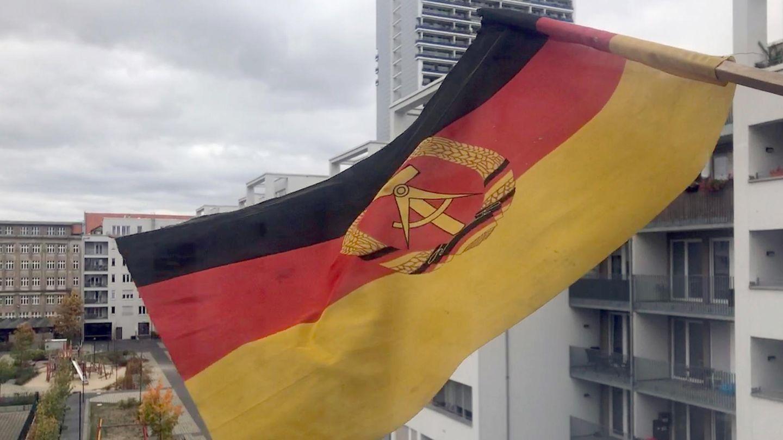 Biathlon-Weltcup: Warum eine DDR-Flagge gehisst ist