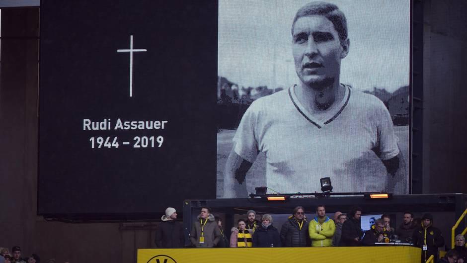 Schweigeminute für Rudi Assauer in Dortmund