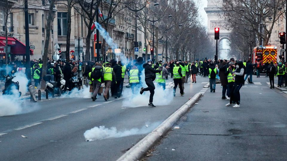 Bei den Protesten der Gelbwesten kam es in Paris wieder zu massiven Ausschreitungen