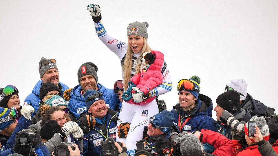 Lindsey Vonn feiert ihren Abschied mit einer WM-Bronzemedaille in der Abfahrt