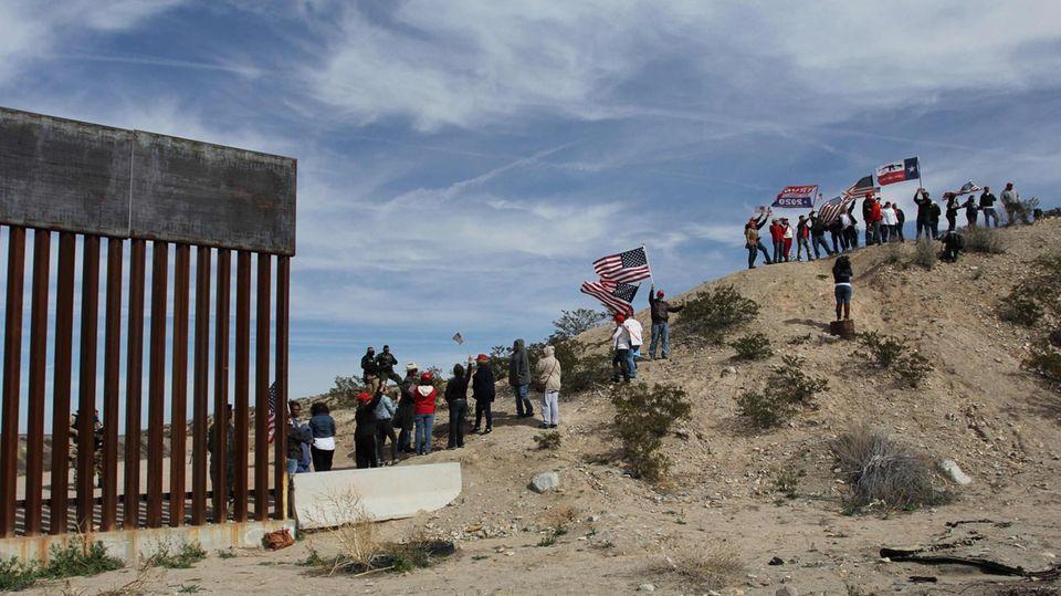 Die Kette der Unterstützer von Donald Trumps Grenzsicherungsplänen