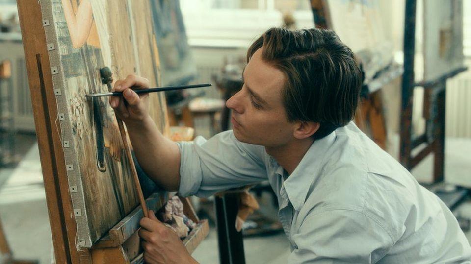 """Tom Schilling im deutschen Oscar-Beitrag """"Werk ohne Autor"""""""