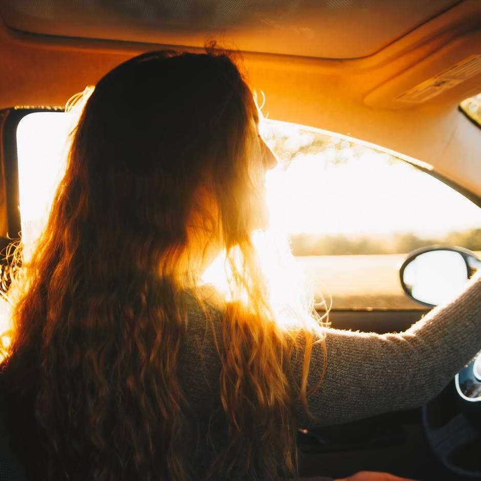 Führerschein-Quiz: 39 Prozent fallen durch: Wie gut würdest du in der Theorieprüfung abschneiden?