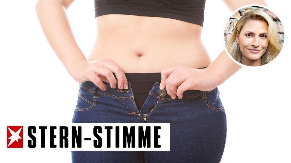 Frau bekommt ihr Jeans nicht zu