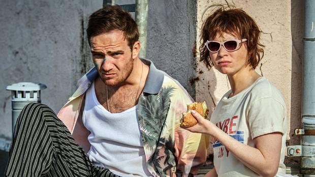 """Frederik Lau und Karoline Herfurth in einer Szene des Films """"Sweethearts"""""""