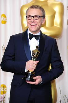 Christoph Waltz mit seinem Oscar im Jahr 2013