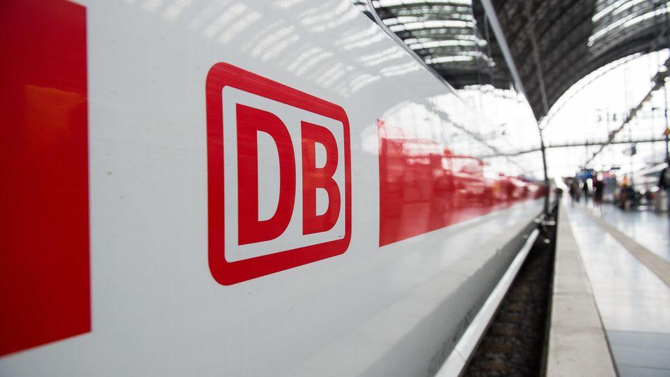 Deutsche Bahn: Rollstuhlfahrer muss während Bombenalarms im ICE bleiben