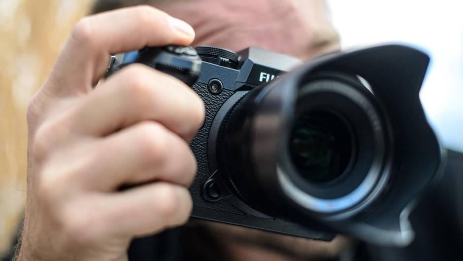 nachrichten deutschland - frauen fotografiert