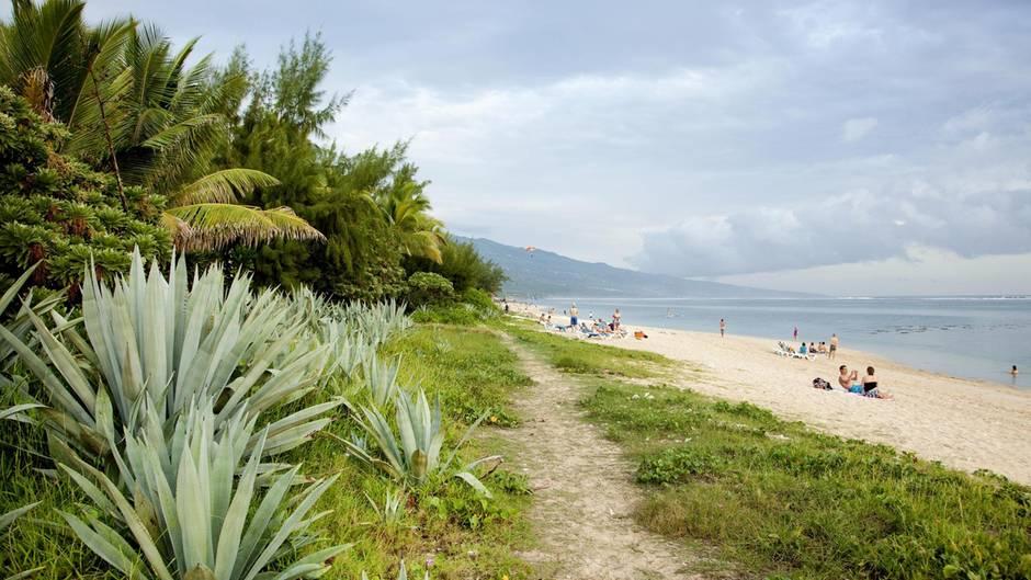 Strand bei Saline-les-Bains auf der Insel La Réunion im IndischenOzean
