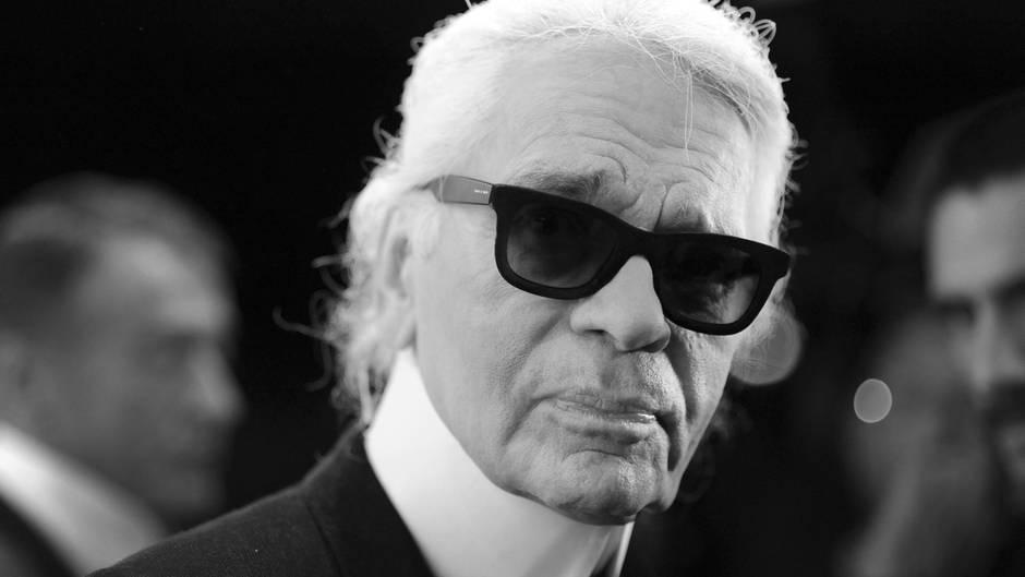 Karl Lagerfeld ist tot: Modedesigner stirbt mit 85 Jahren