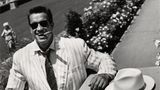 Dass er diesen Staat eines Tages als Gouverneur regieren wird - das hat damals niemand ahnen können, als Gorman 1986 Arnold Schwarzenegger fotografierte.Der Bodybuilder und Schauspieler präsentierte sich protzig mit dicker Zigarre und scheint so gar nicht in diesen prunkvollen Garten zu passen. Bilder können täuschen.