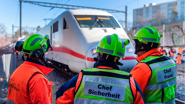Bahn-Kunden benötigen 2019 viel Geduld: Umwege durch Baustellen erfordern bis zu 45 Minuten längere Fahrzeiten.