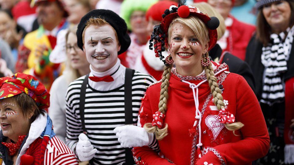 Kostüme an Fasching: Karneval: So werden sich die Jecken verkleiden