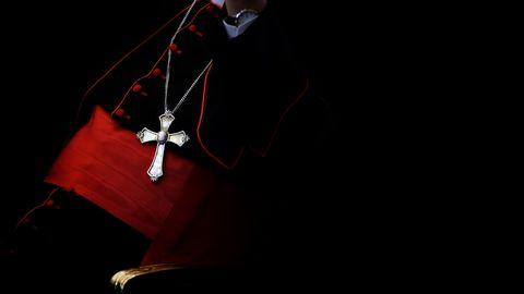 Ein Kardinal nimmt am traditionellen Weihnachtsempfang in der Vatikanischen Audienzhalle teil (Symbolbild)