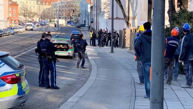 Die Polizei in München war am Donnerstagvormittag wegen einer Schießerei im Stadtteil Au im Einsatz