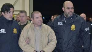 """""""El Chapo"""" bei seiner Auslieferung an die USA"""