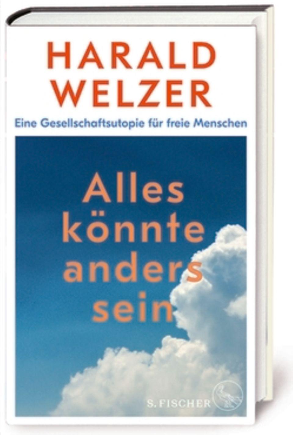"""Professor Harald Welzer, 60, ist Sozialpsychologe. Er leitet das """"Center for Transformation Design""""an der Universität Flensburg und lehrt zudem an der Universität St. Gallen. Vor acht Jahren gründete er die Stiftung """"Futurzwei"""", die sich für nachhaltiges Leben und Wirtschaften einsetzt. Welzer hat zahlreiche Bücher zu gesellschaftspolitischen Fragen geschrieben, von denen einige Bestseller wurden. Sein neuestes Buch, das gerade erschienen ist, war die Grundlage für diesen Artikel: Harald Welzer: """"Alles könnte anders sein. Eine Gesellschaftsutopie für freie Menschen"""", S. Fischer, 320 Seiten, 22 Euro"""
